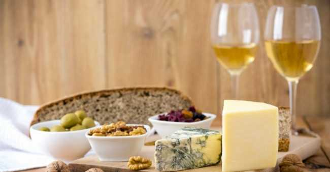 090216_wine and cheese