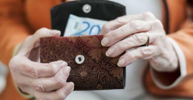 100216_pensioner_budget