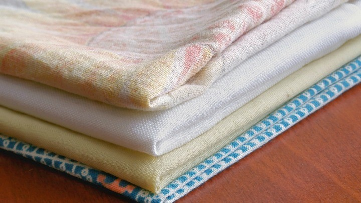 How to whiten old yellowed bed sheets