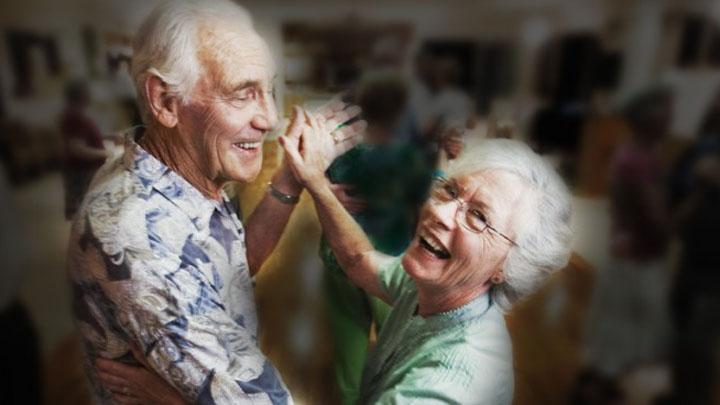 Elderly-Couple-Dancing-750x380