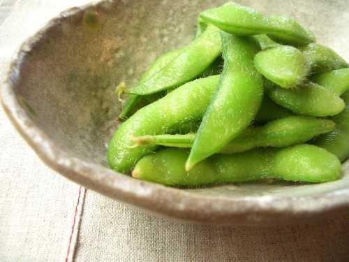 Edamame_-_boild_green_soybeans