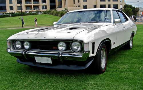 Ford_Falcon_XA_GT_sedan