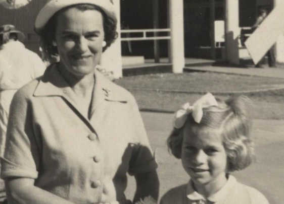 the life lessons my grandmother taught me My grandmother is 94 years old and still spreads a lot of joy to our family and everyone she encounters of the many invaluable life lessons my mom taught me.