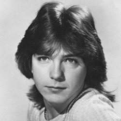 800px-The_Partridge_Family_David_Cassidy_1972