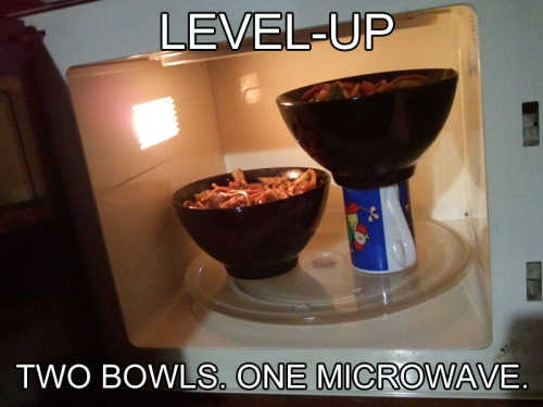 how-to-fit-two-bowls-into-microwave-life-hack