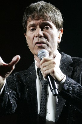 Cliff_Richard_performs_at_State_Theatre;_Sydney,_Australia_(3)