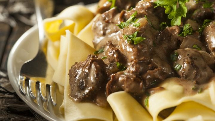 with pappardelle slow cooker beef stroganoff i classic beef stroganoff ...