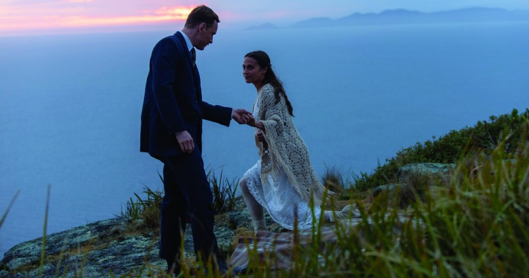 Tom Sherbourne (Michael Fassbender) and Isabel (Alicia Vikander) in a scene from The Light Between Oceans.