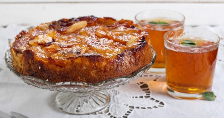 Vegan Toffee Apple Upside Down Cake