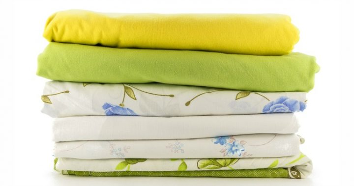 hereu0027s - How To Fold Fitted Sheets