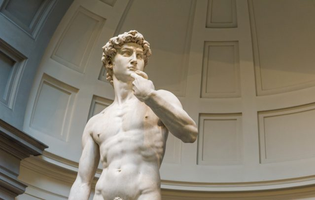 Tourists warned to visit Michelangelo's David before it's destroyed