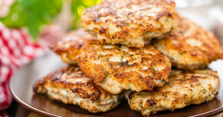 Dip These Delicious Fish Cakes Into The Amazing Peanut Sauce