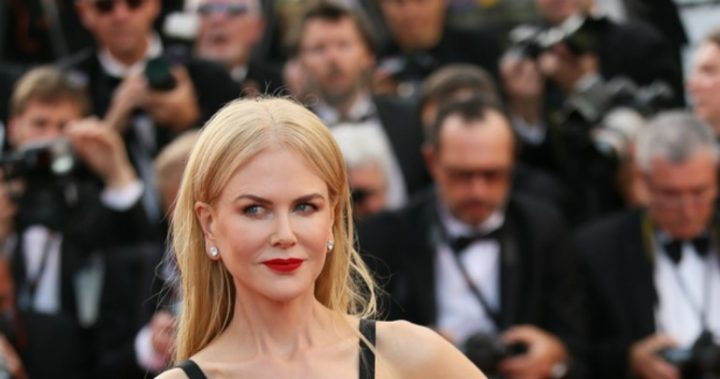 Kirsten Dunst Crying at Cannes Leads Today's Star Sightings