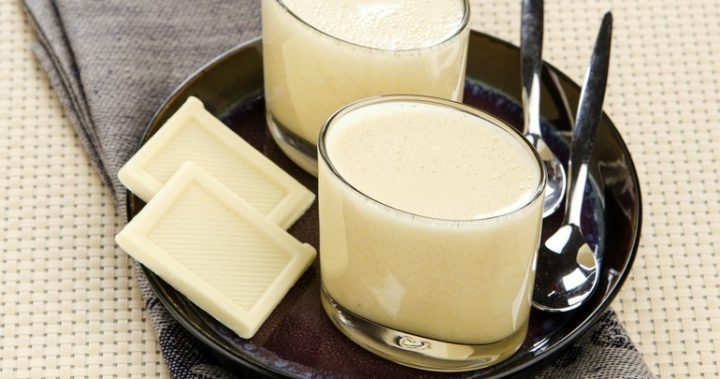 Super easy white chocolate mousse