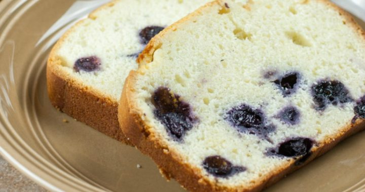 Scrumptious lemon and blueberry bread