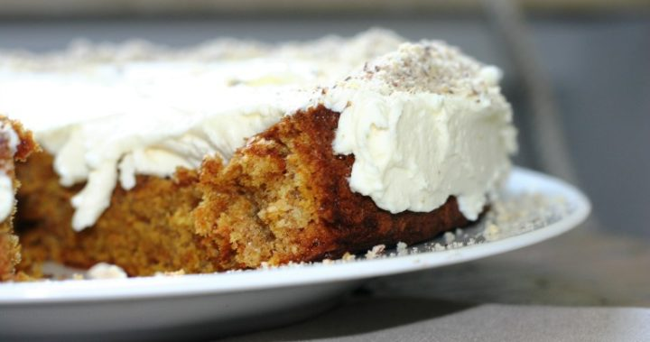 Easy Cake Recipes In Convection Microwave: Easy 8-minute Microwave Carrot Cake