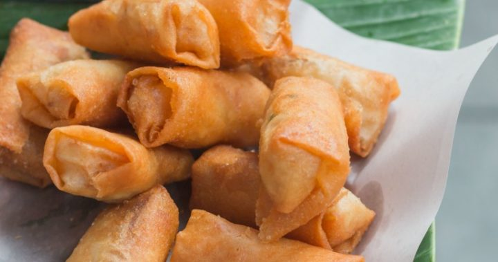 These spring rolls are perfect to dip into Hoisin sauce.