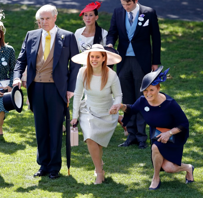 Princess Beatrice and Sarah, Duchess of York curtsy to Queen Elizabeth II. Source: Getty.