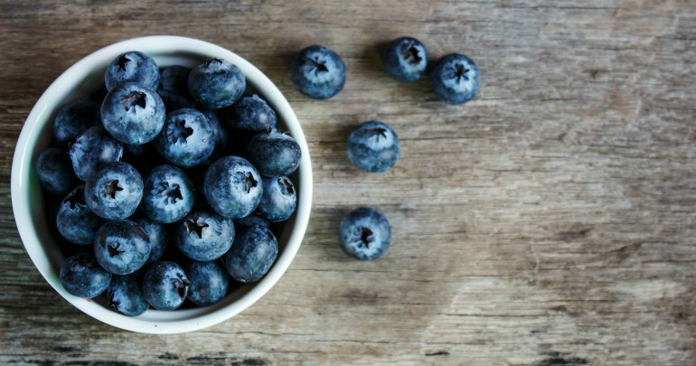 A handful of blueberries can significantly increase the mood.
