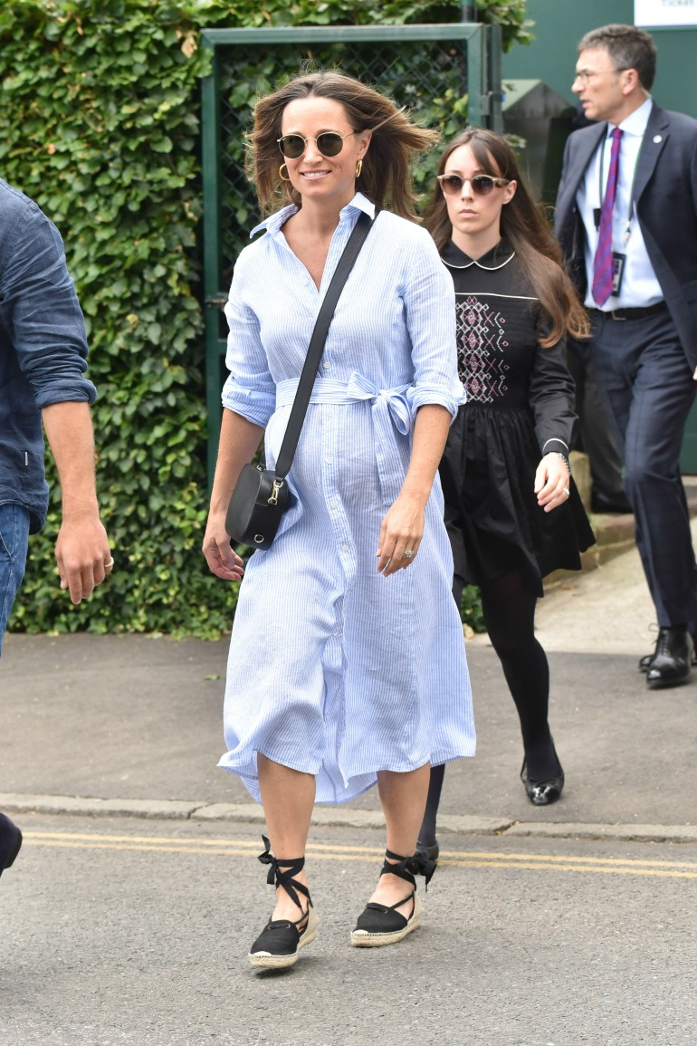 308ba2c2e Carole and Pippa Middleton rock mother-daughter style again at ...