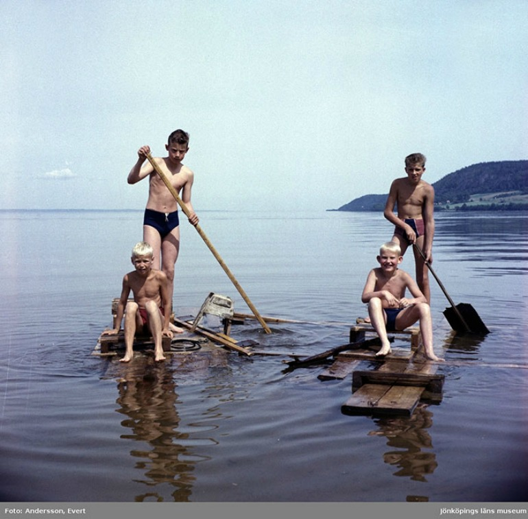 Standup paddle boards were all the craze in the '70s. Source: Digital Museum