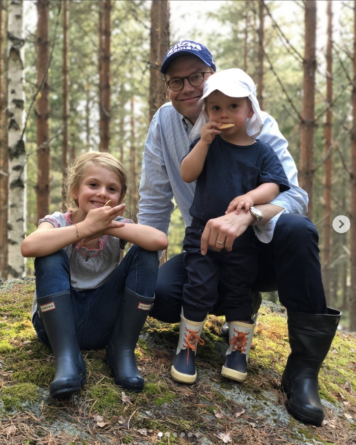 Prince Daniel with his two young children. Source: Instagram/Kungahuset.