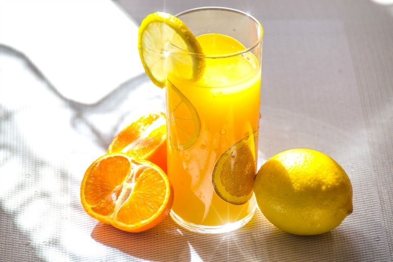 Despite seeming like a healthy choice, fruit juice can contain almost the same amount of sugar found in soft drinks. Source: Pexels