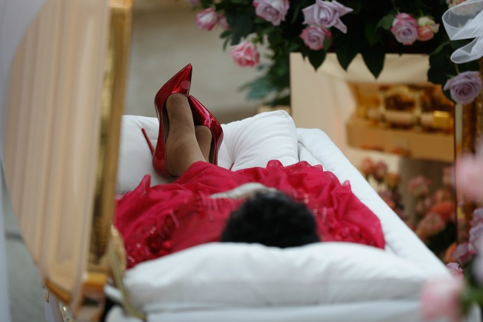 Aretha's family chose to invite fans to view her lying in state in an open casket. Source: Getty.