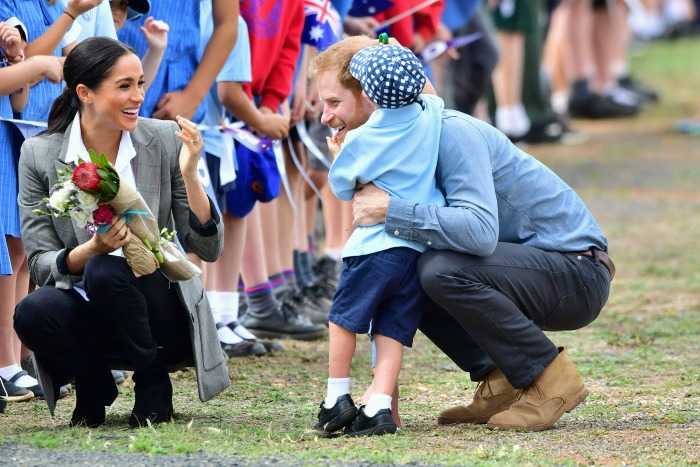Prince Harry Meghan meet Aussie school boy