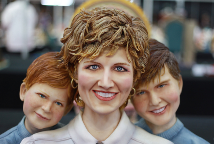 An English baker created a cake of Princess Diana, Prince Harry and Prince William for an international competition.