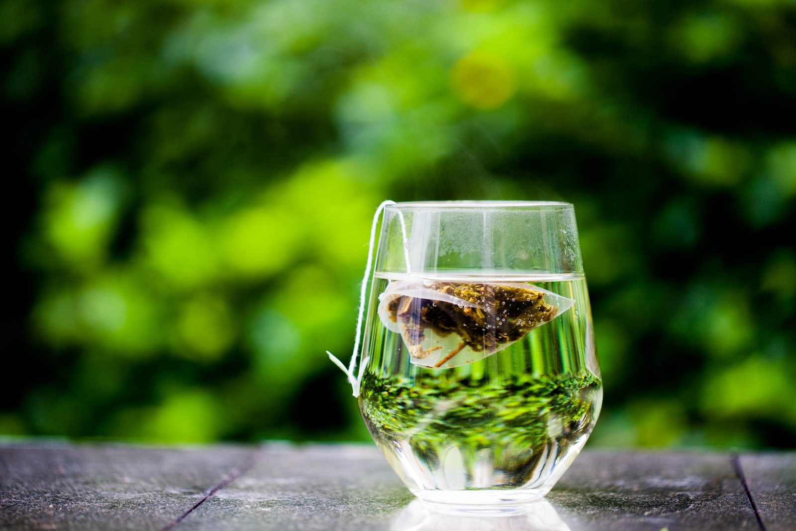 Can't shake an itch? Green tea can supposedly help ease the pain. Source: Pixabay