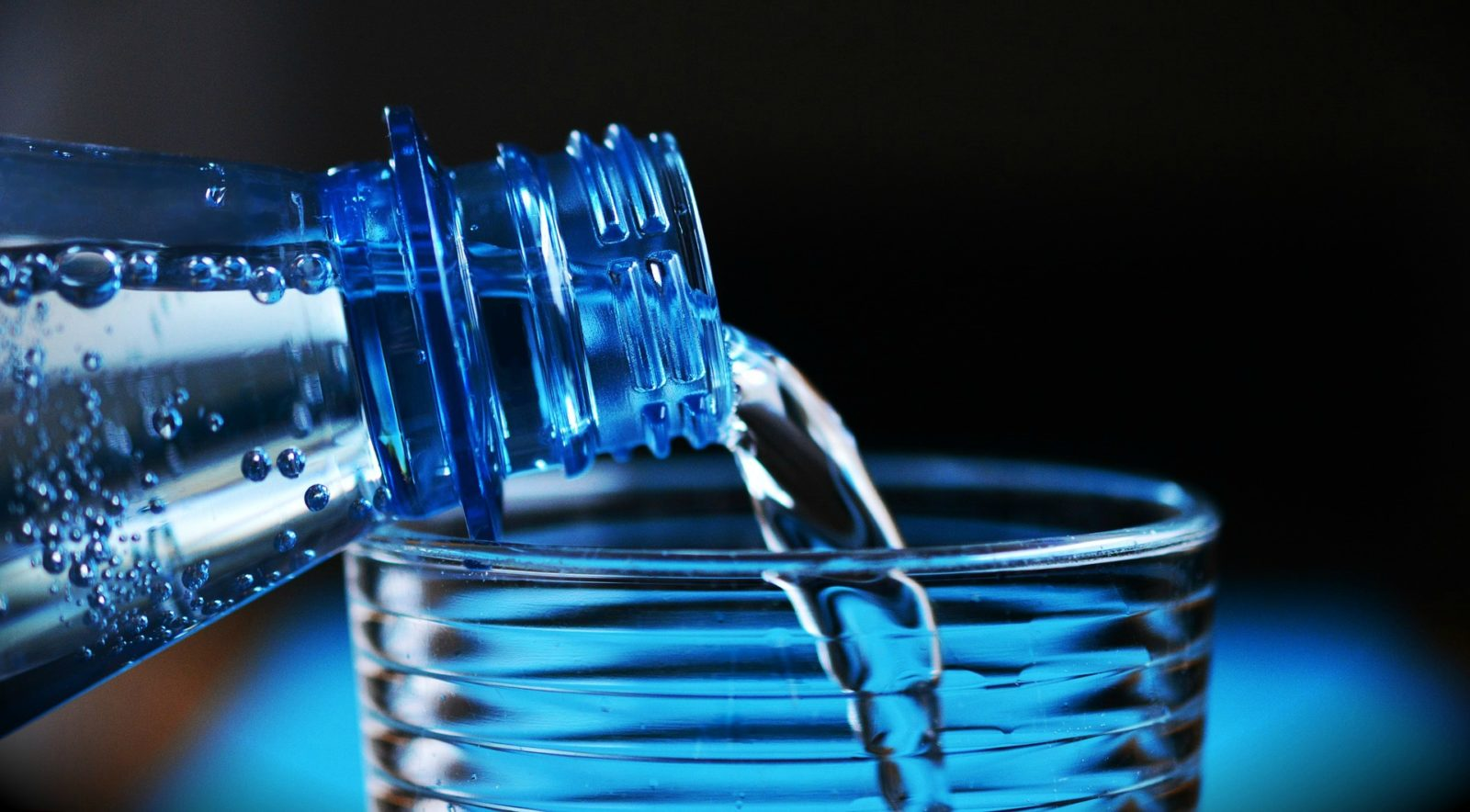 Reducing fluid intake does not reduce the risk of leakage.
