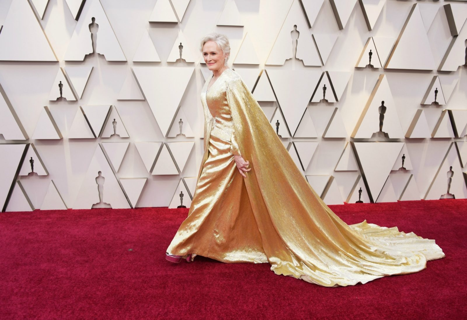 Glenn Close made a stylish entrance in a glittering gold gown. Source: Getty