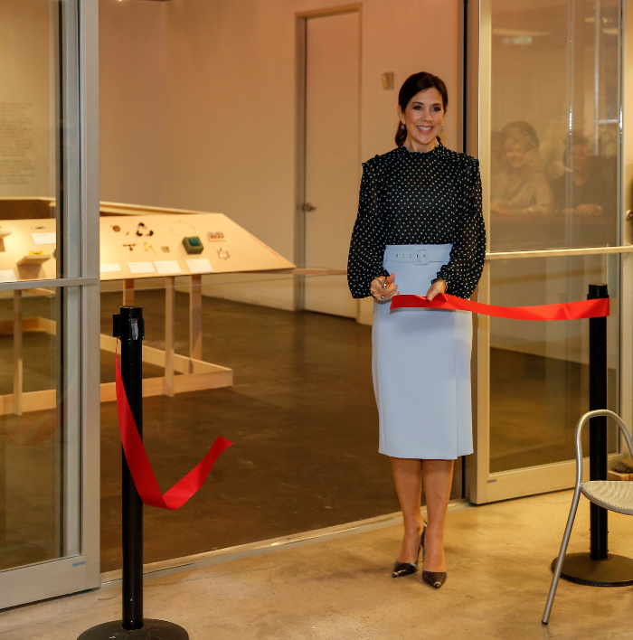 Princess Mary looked stunning for the opening of the Danish jewellery exhibition at Houston Center for Contemporary Craft.