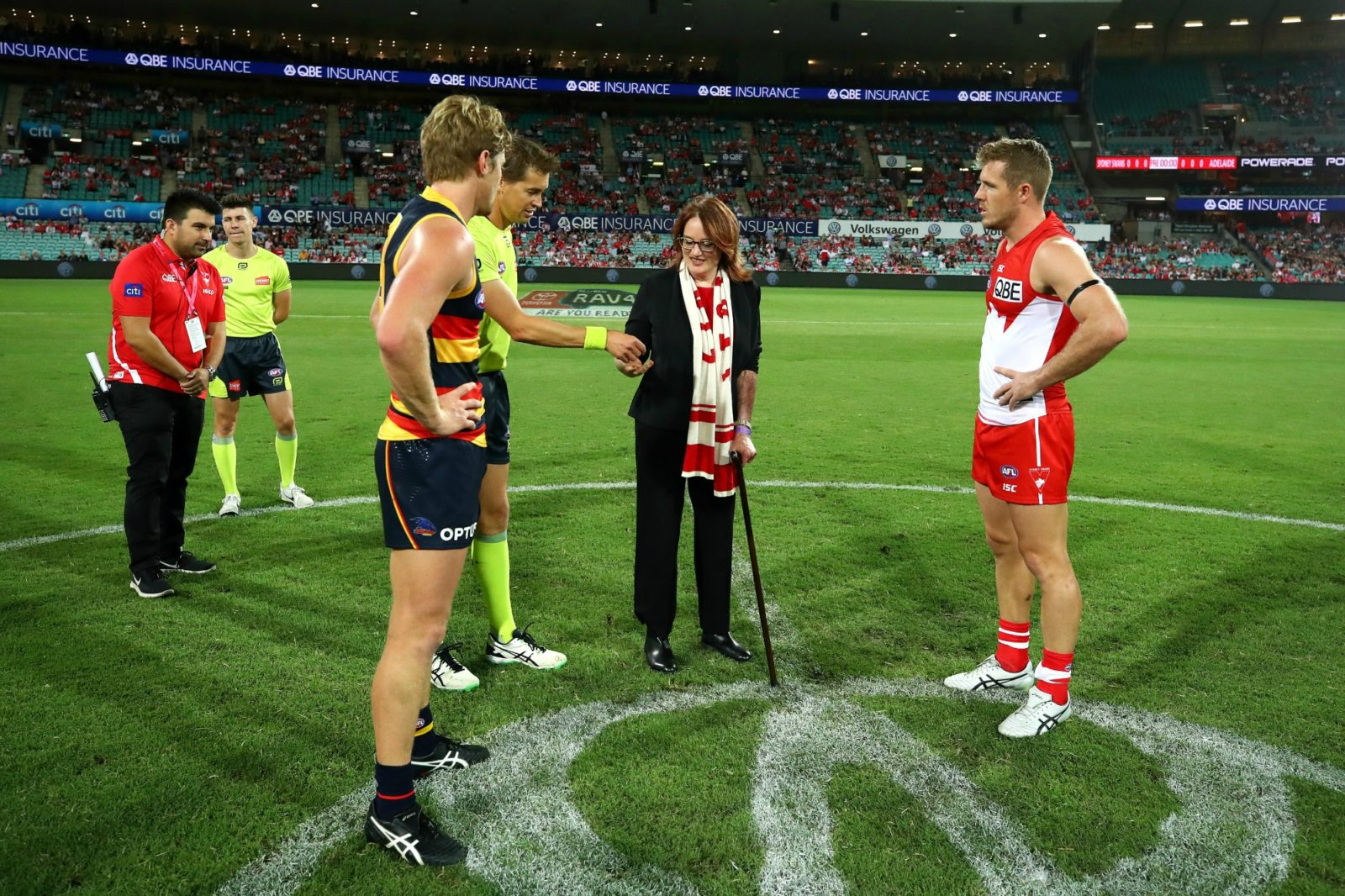 Cynthia Banham appeared to struggle with the coin toss. Source: Getty.