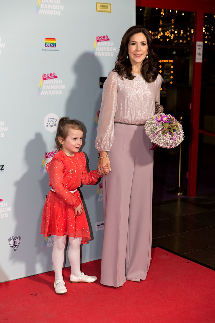 Princess Mary looked gorgeous in a pink blouse and flared pants at the annual Danish Rainbow Award show.