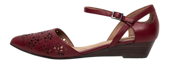Every woman needs a pair of crimson shoes in her closet, and Diana Ferrari has a pair for you.