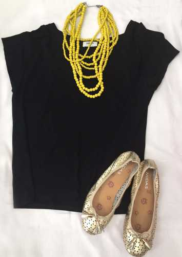 Top necklace and shoes